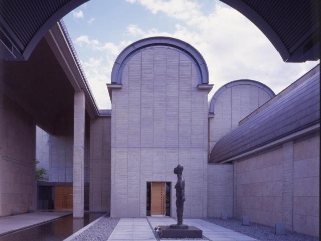 富岡市立美術博物館・福沢一郎記念美術館